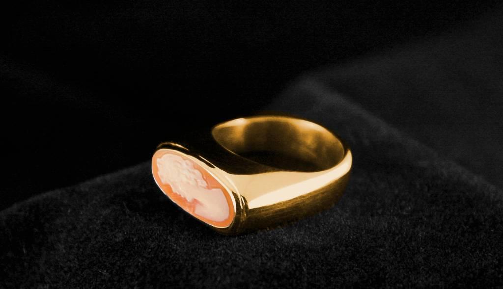 Gouden (as)ring GEM - Camee-1