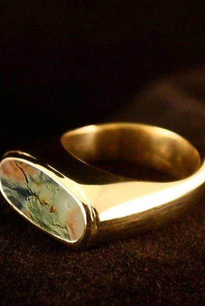 (As)ring GEM, goud met  Mosagaat