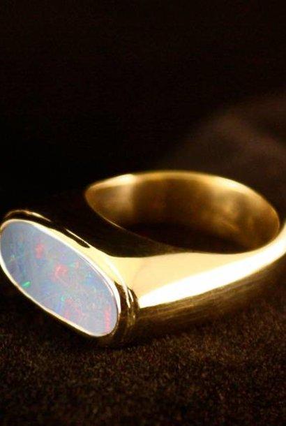 (As)ring GEM, goud met  Opaal