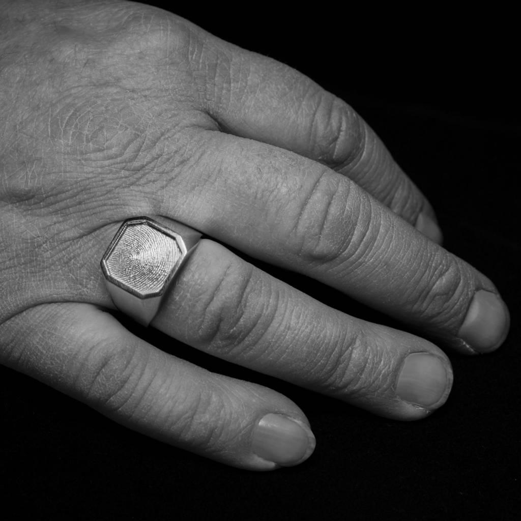 Zilveren  herenring ALTIJD - vingerafdruk