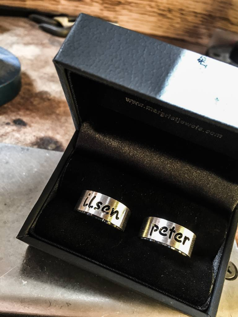Ring NAAM, zilver-4