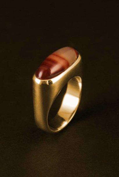 (As)ring  GEM, goud met Carneool