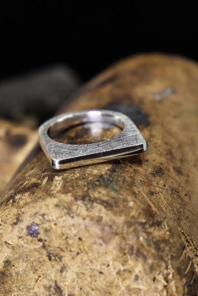 Zilveren ring SOBER