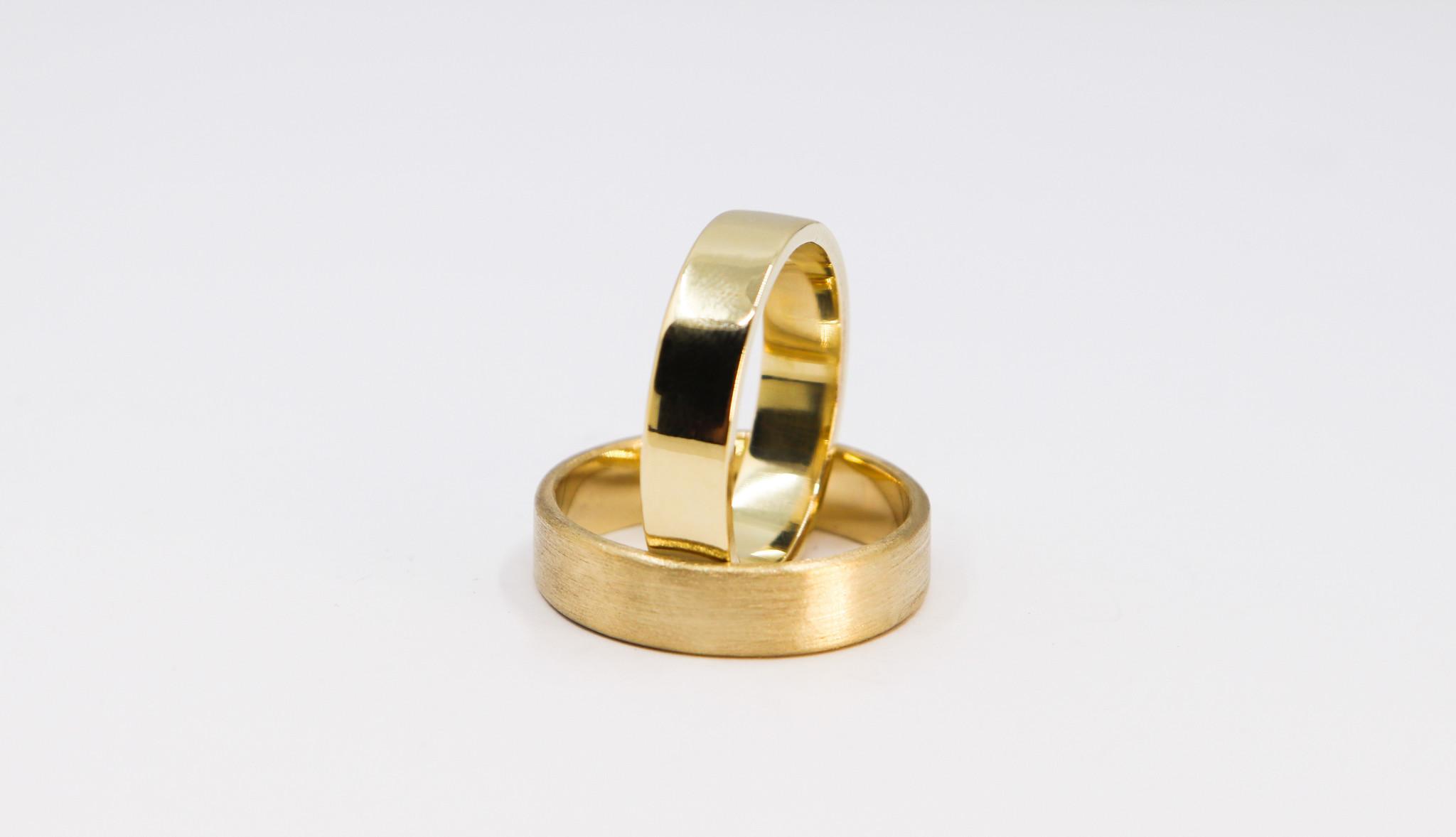 14K Gouden ring VLAK-1