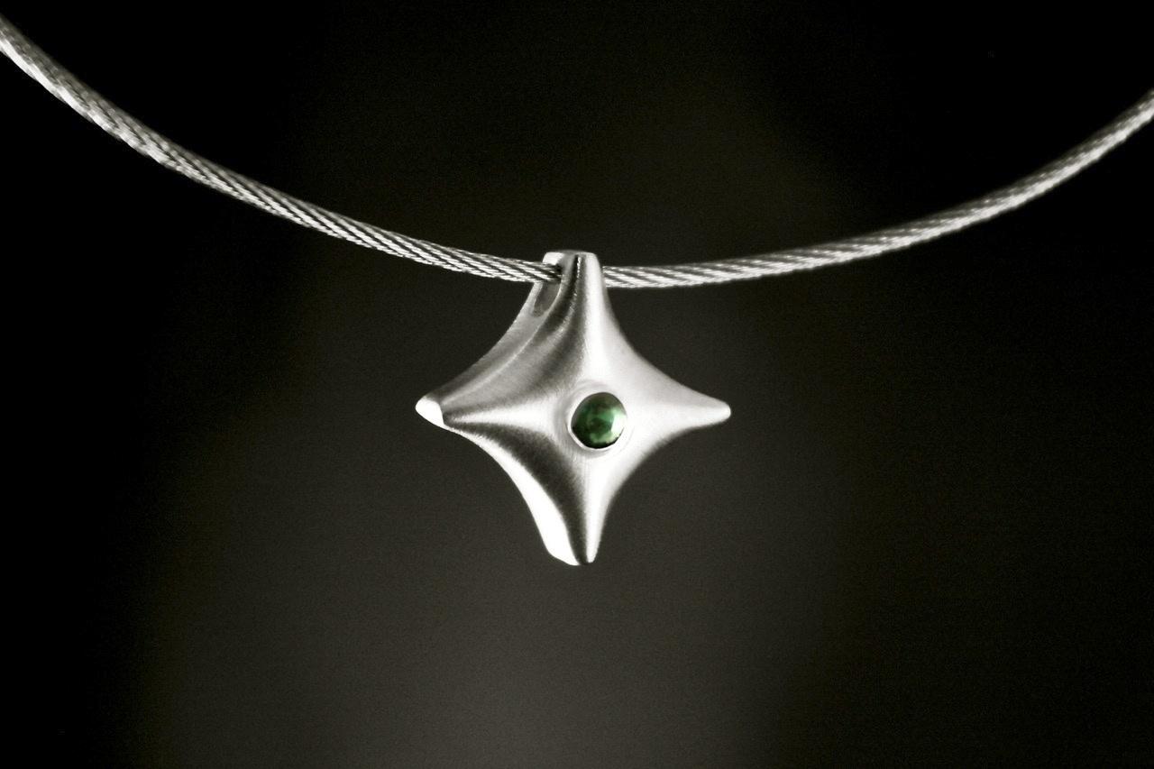(As)hanger TWINKEL, goud met Smaragd-2