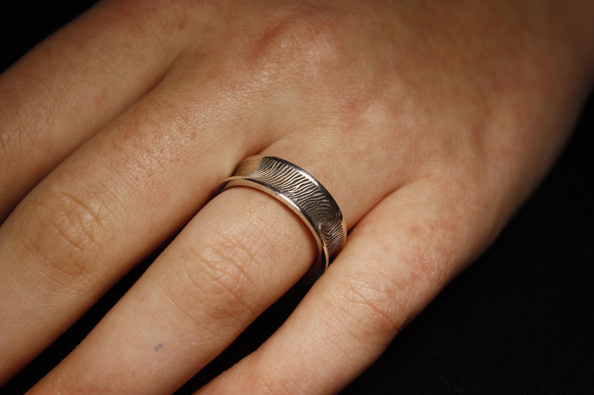 Ring TROUW, platina-2