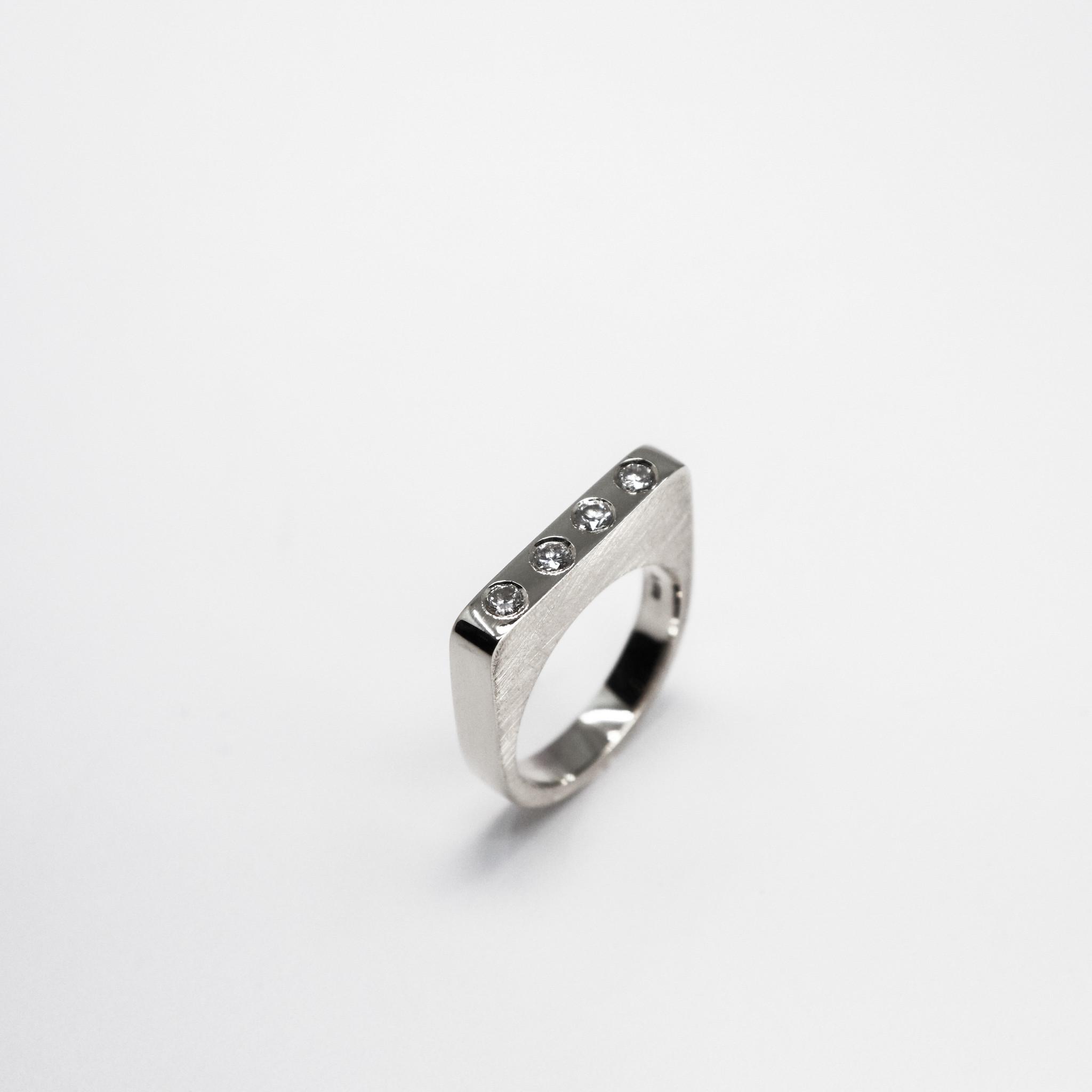 Ring SOBER, platina-2
