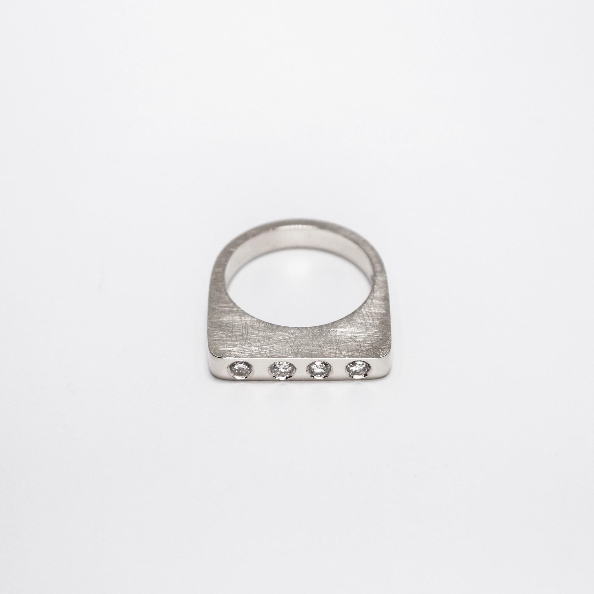 Ring SOBER, platina-1