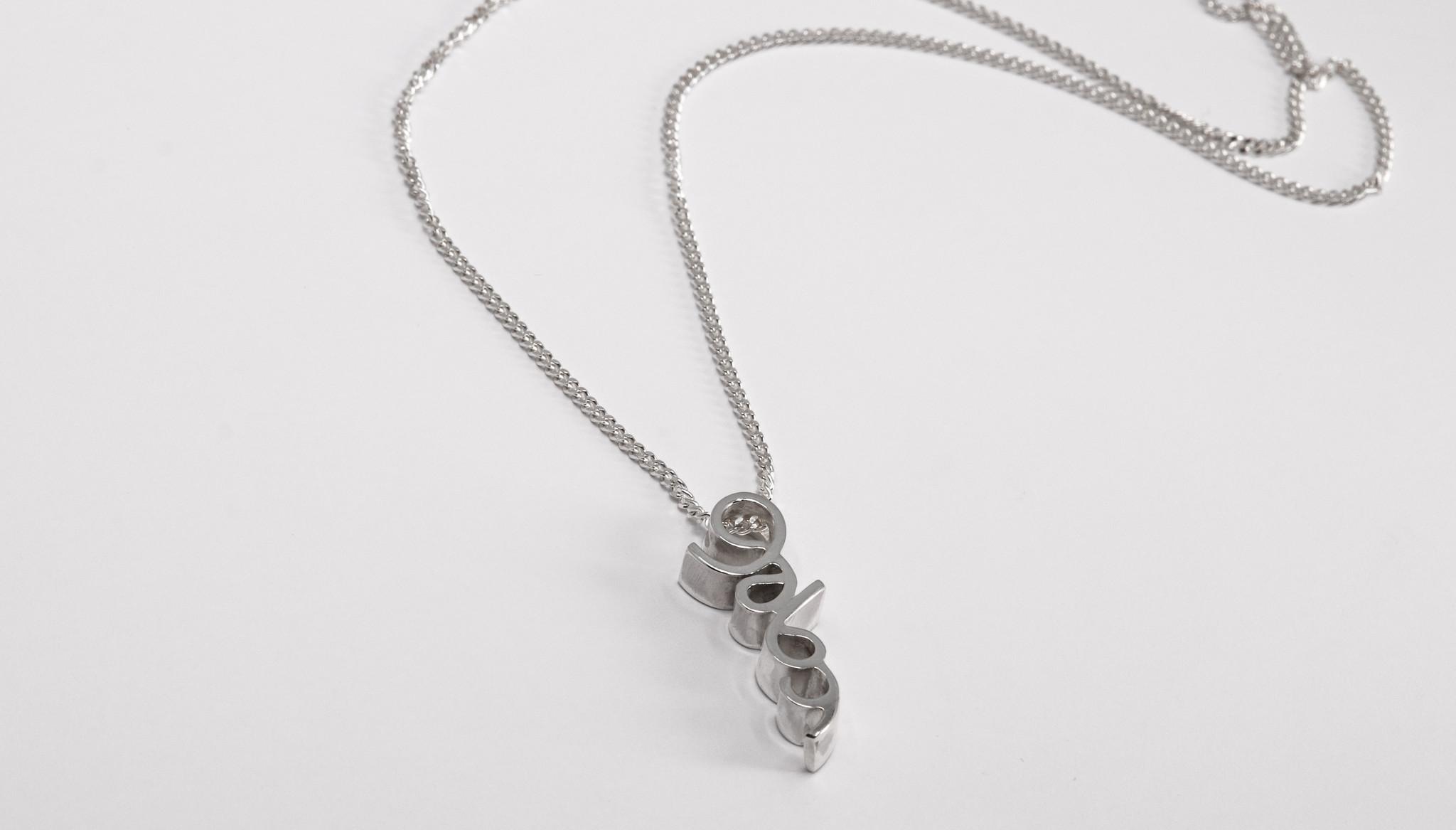 Hanger NAAM, zilver-2