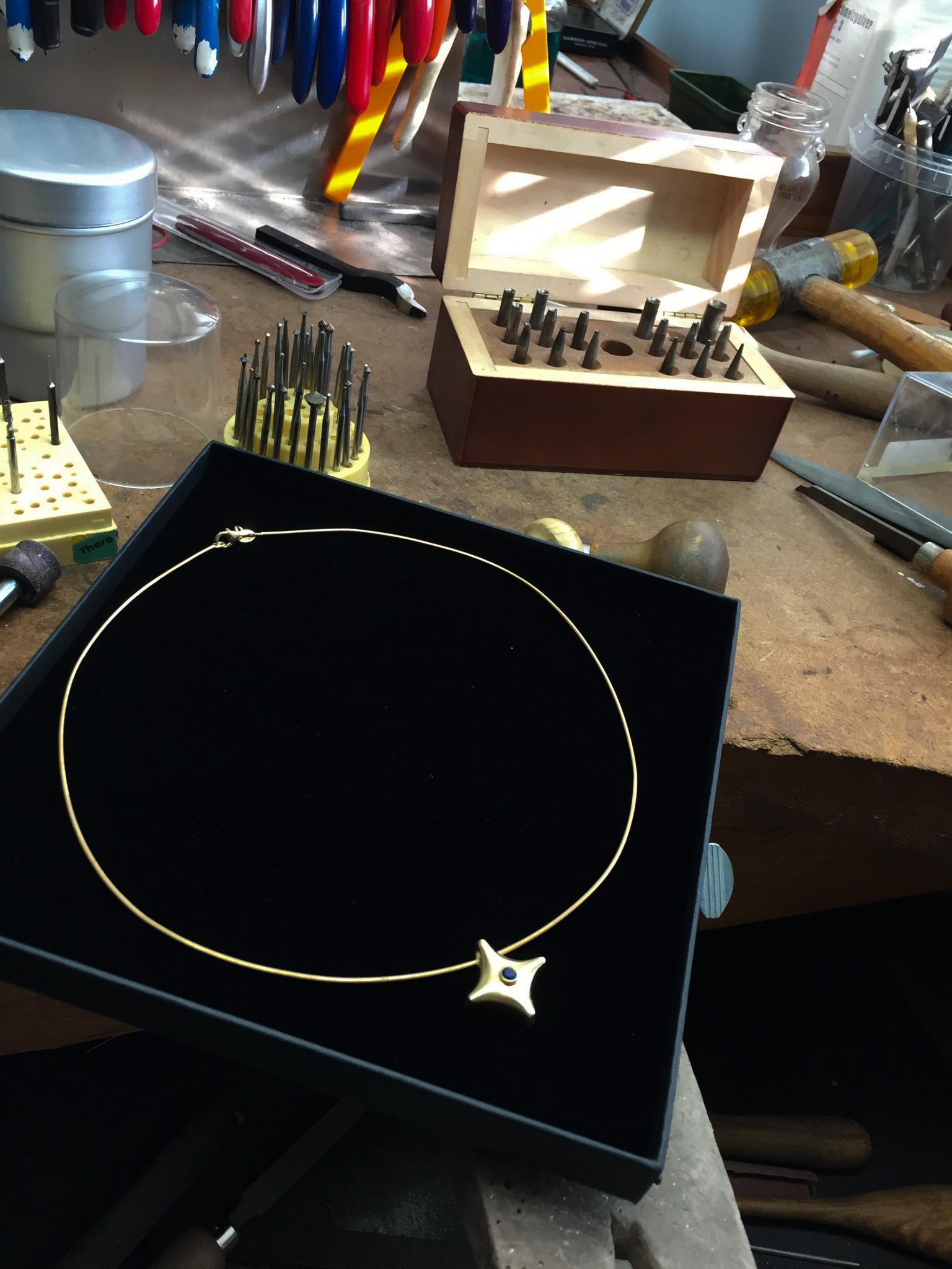 (As)hanger TWINKEL, goud met robijn-7