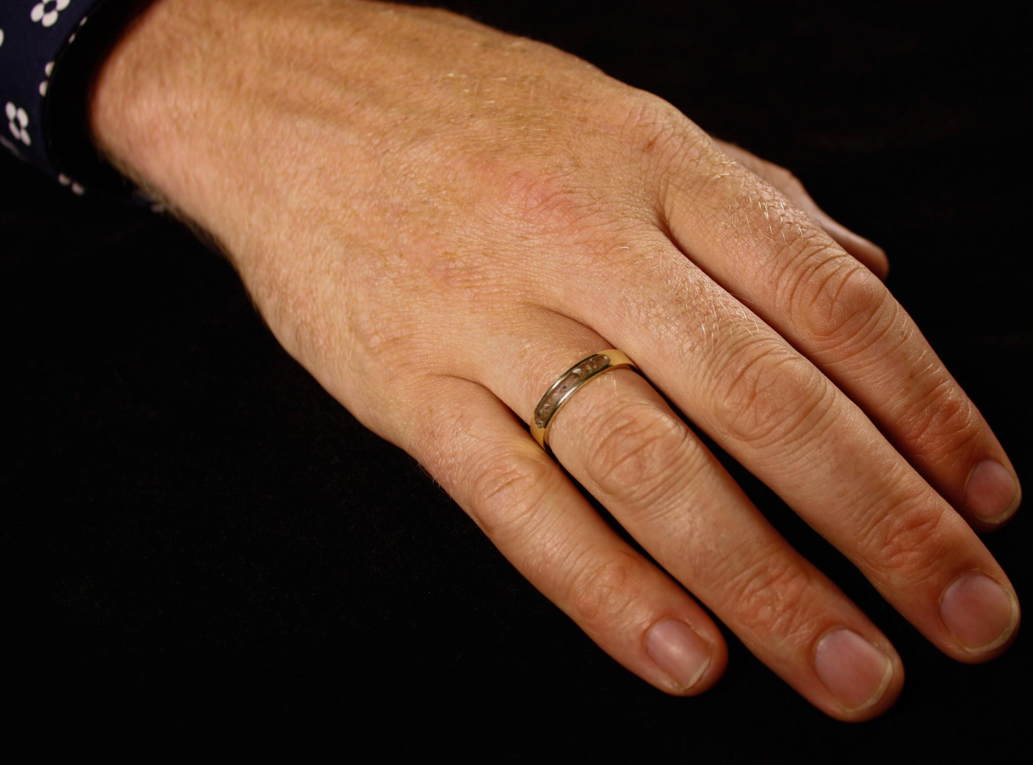 (As)ring DIERBAAR, goud-1
