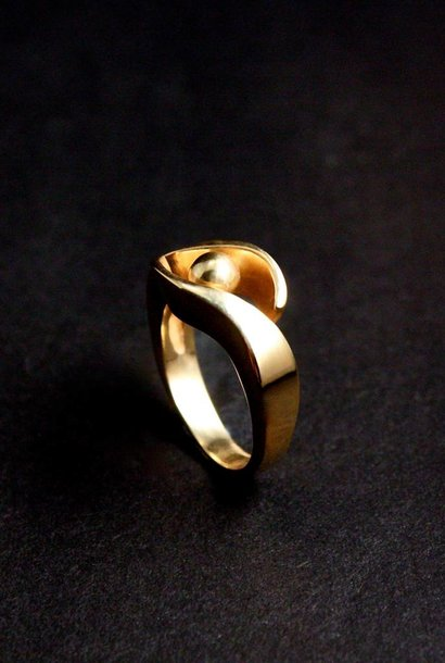 (As)ring OMARMING, goud