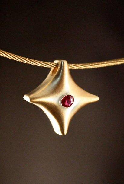 Gouden (as)hanger TWINKEL - Robijn