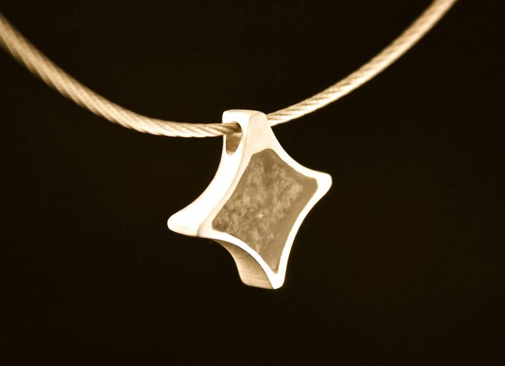 (As)hanger TWINKEL, goud met  Saffier-4