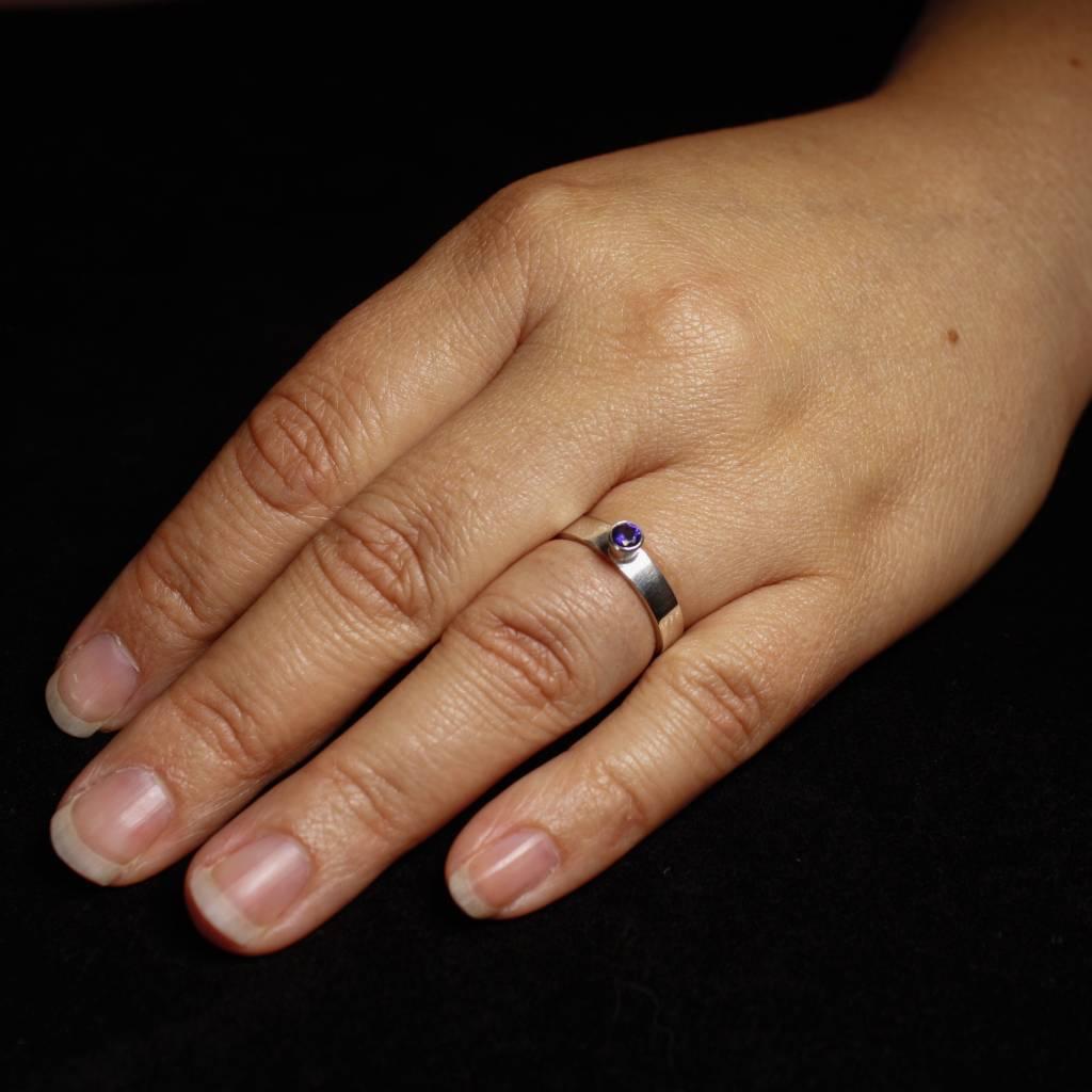 Ring WARE LIEFDE, zilver met Saffier-2