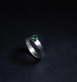 Zilveren damesring WARE LIEFDE - Smaragd