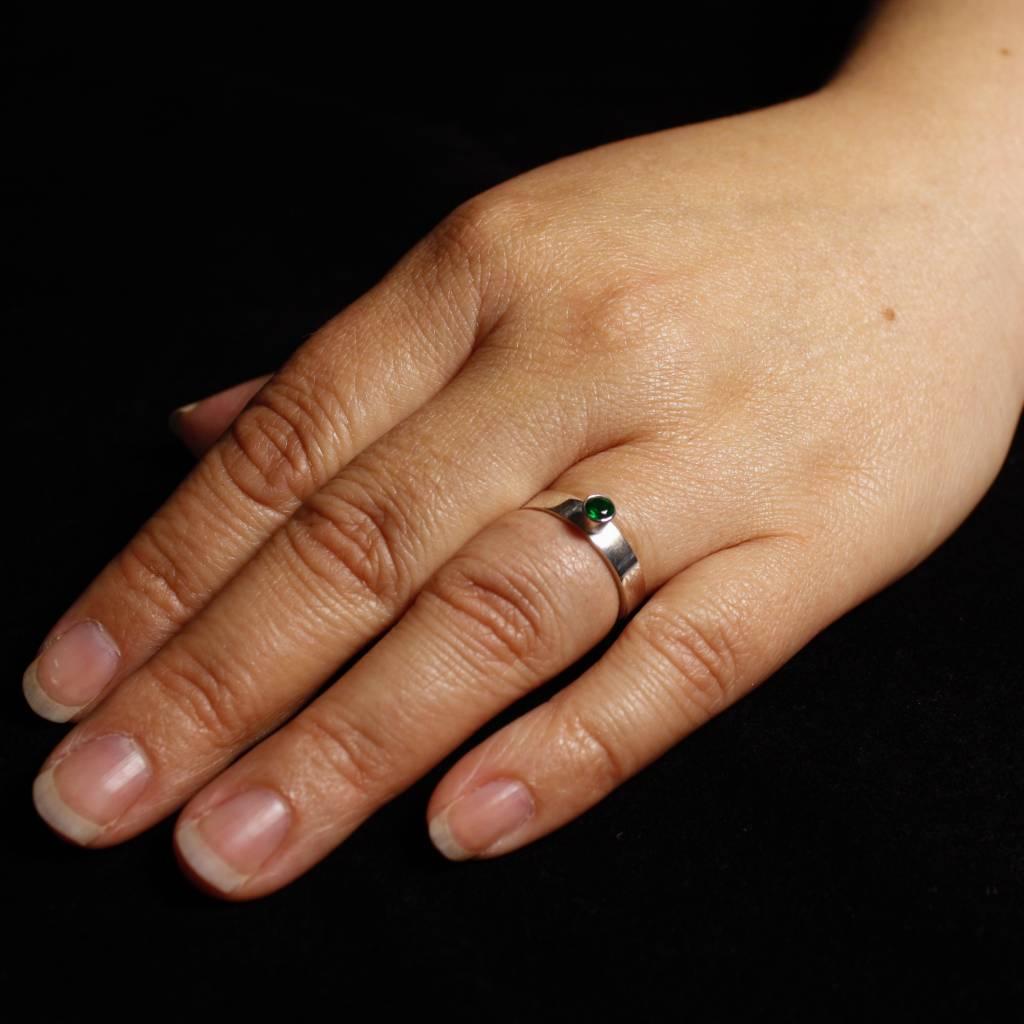 Ring WARE LIEFDE, zilver met smaragd-2