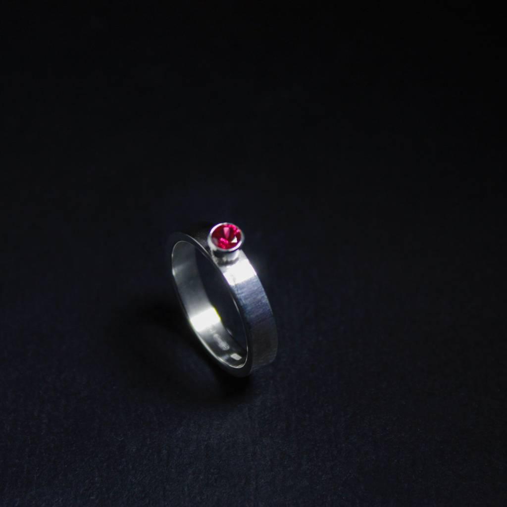 Ring WARE LIEFDE, zilver met robijn-1