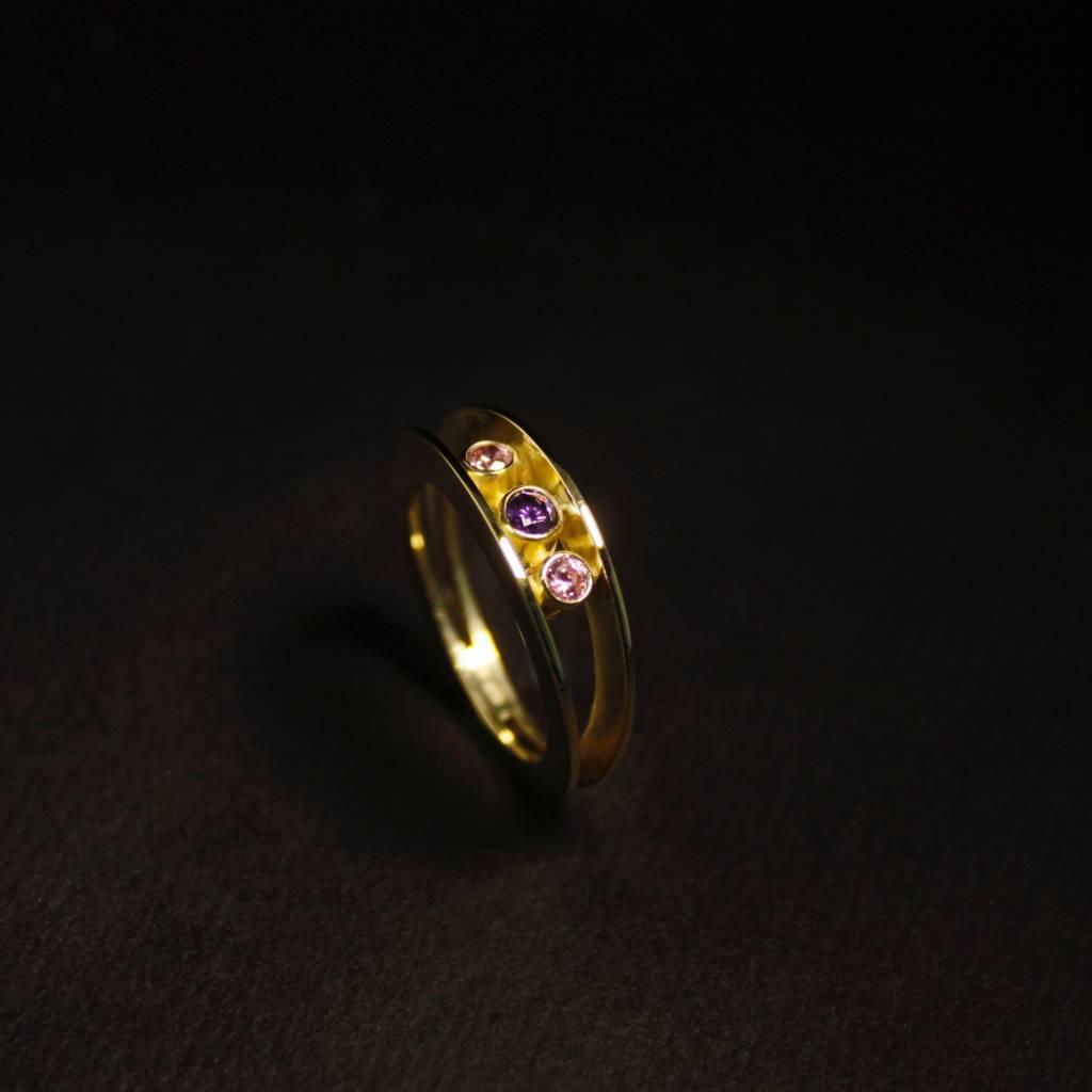 MARGRIET JEWELS Gouden damesring ELKAAR 3 - Cubic Zirkonia