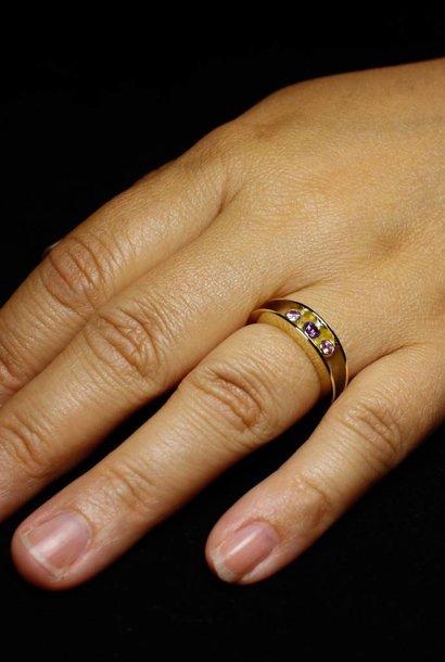Ring ELKAAR 3, goud