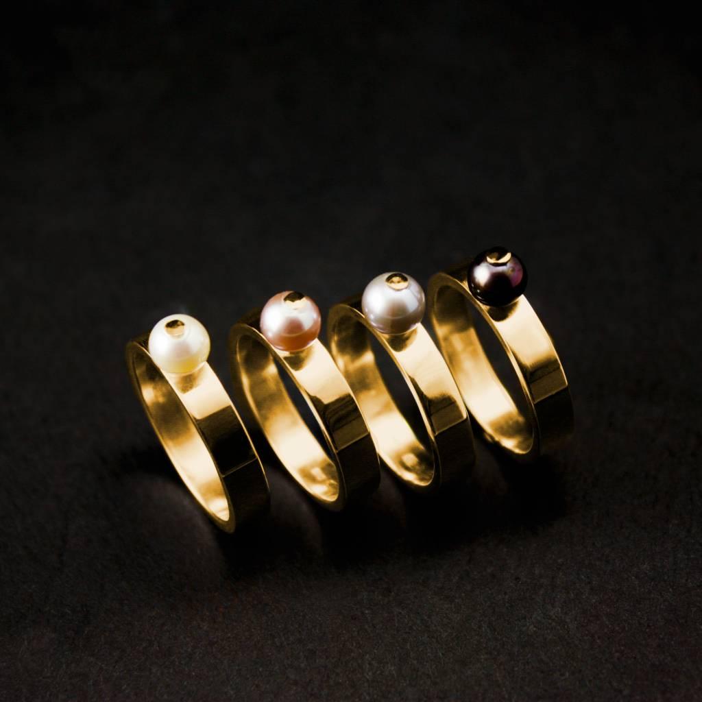 Gouden damesring PAREL - Zwart