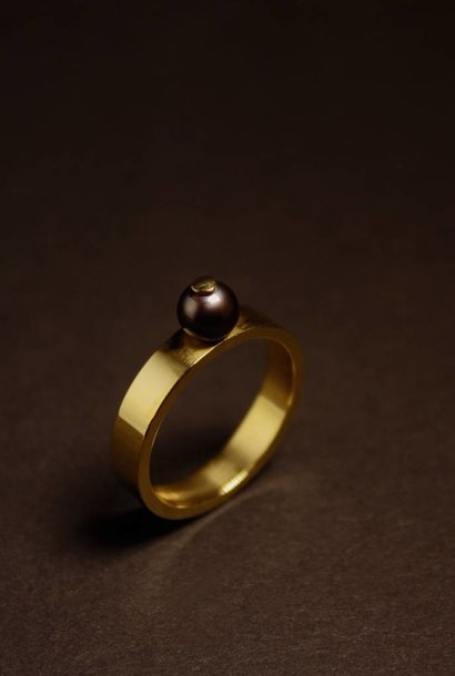 Ring PAREL zwart, goud