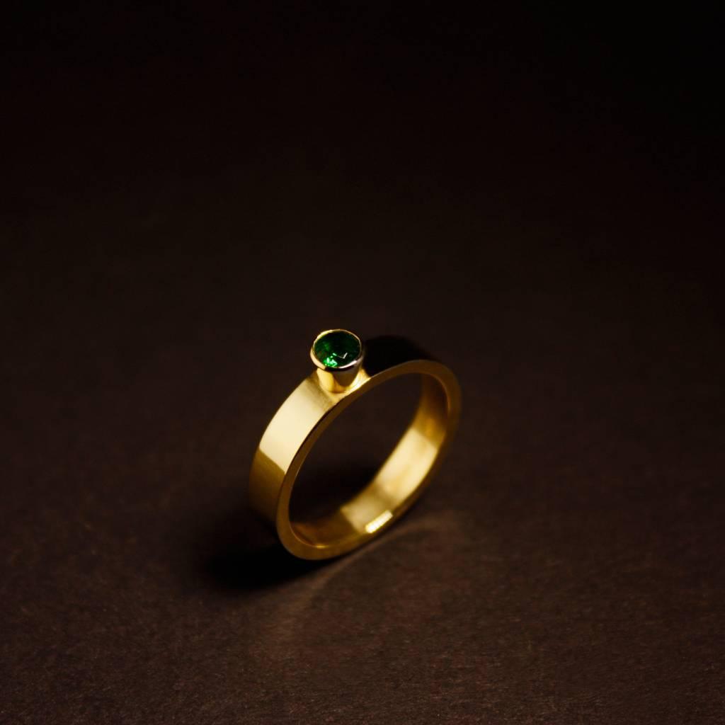 MARGRIET JEWELS Gouden damesring WARE LIEFDE - Smaragd