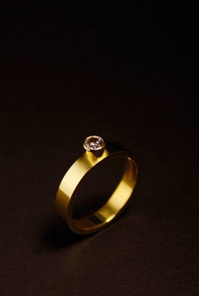 Ring WARE LIEFDE, goud met labggrown diamant