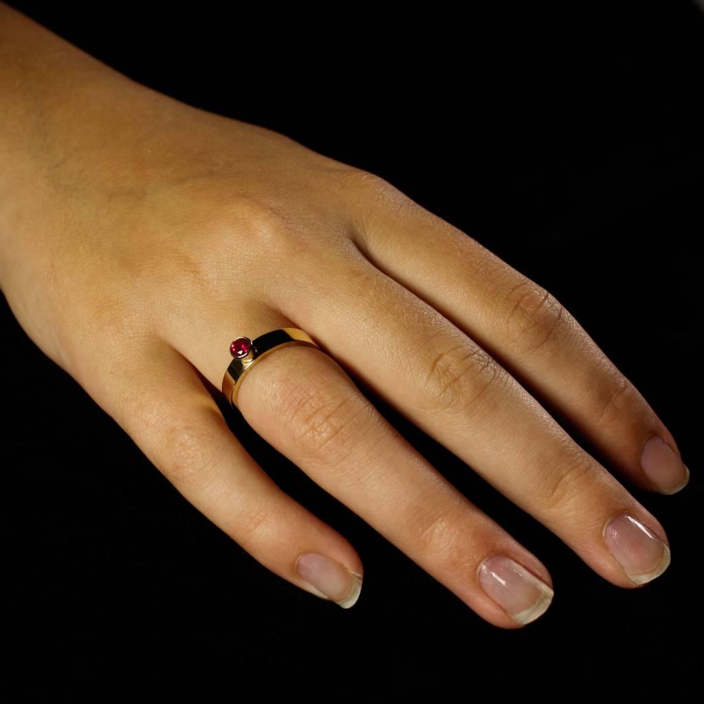 Ring WARE LIEFDE, goud met robijn-3