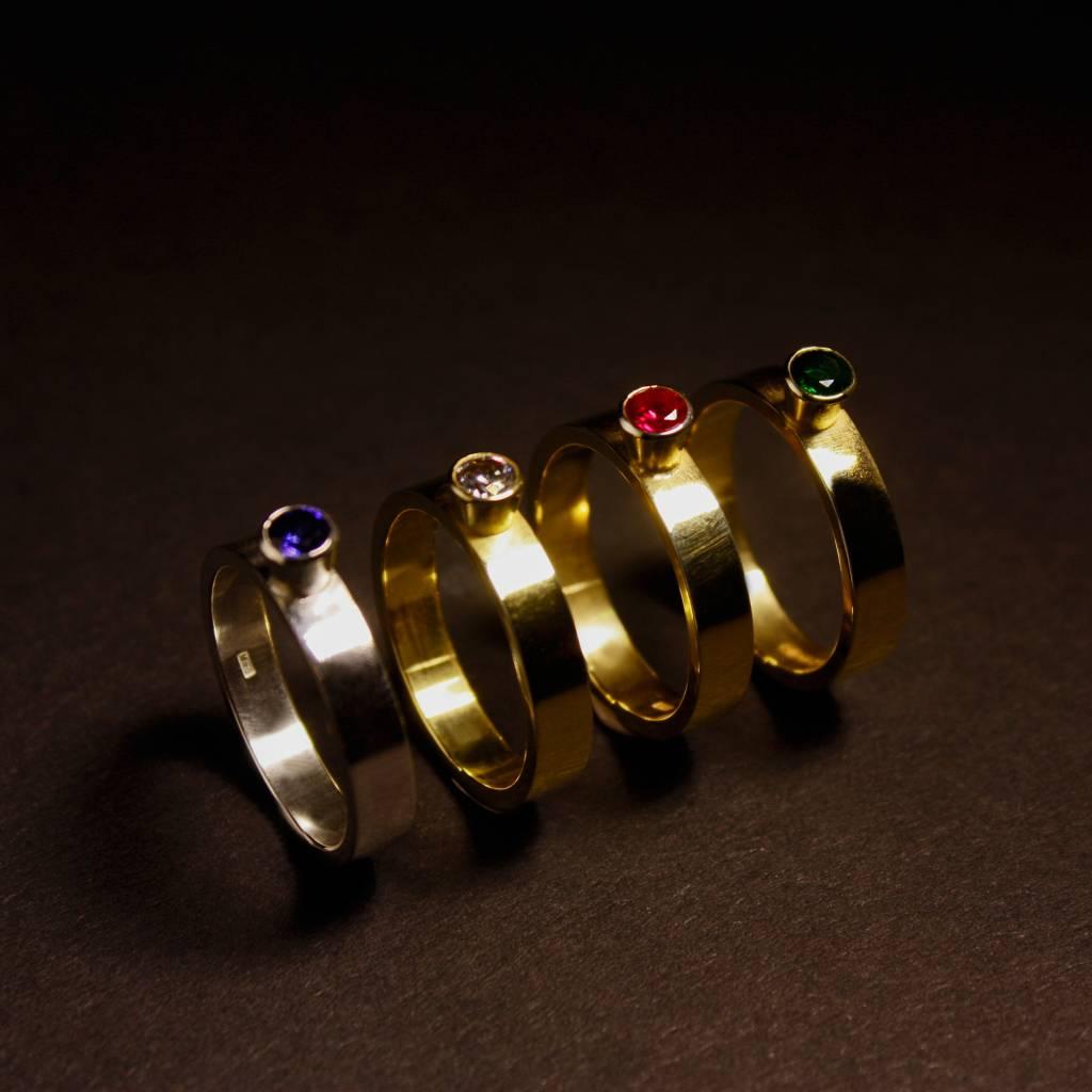 Ring WARE LIEFDE, goud met  saffier-3