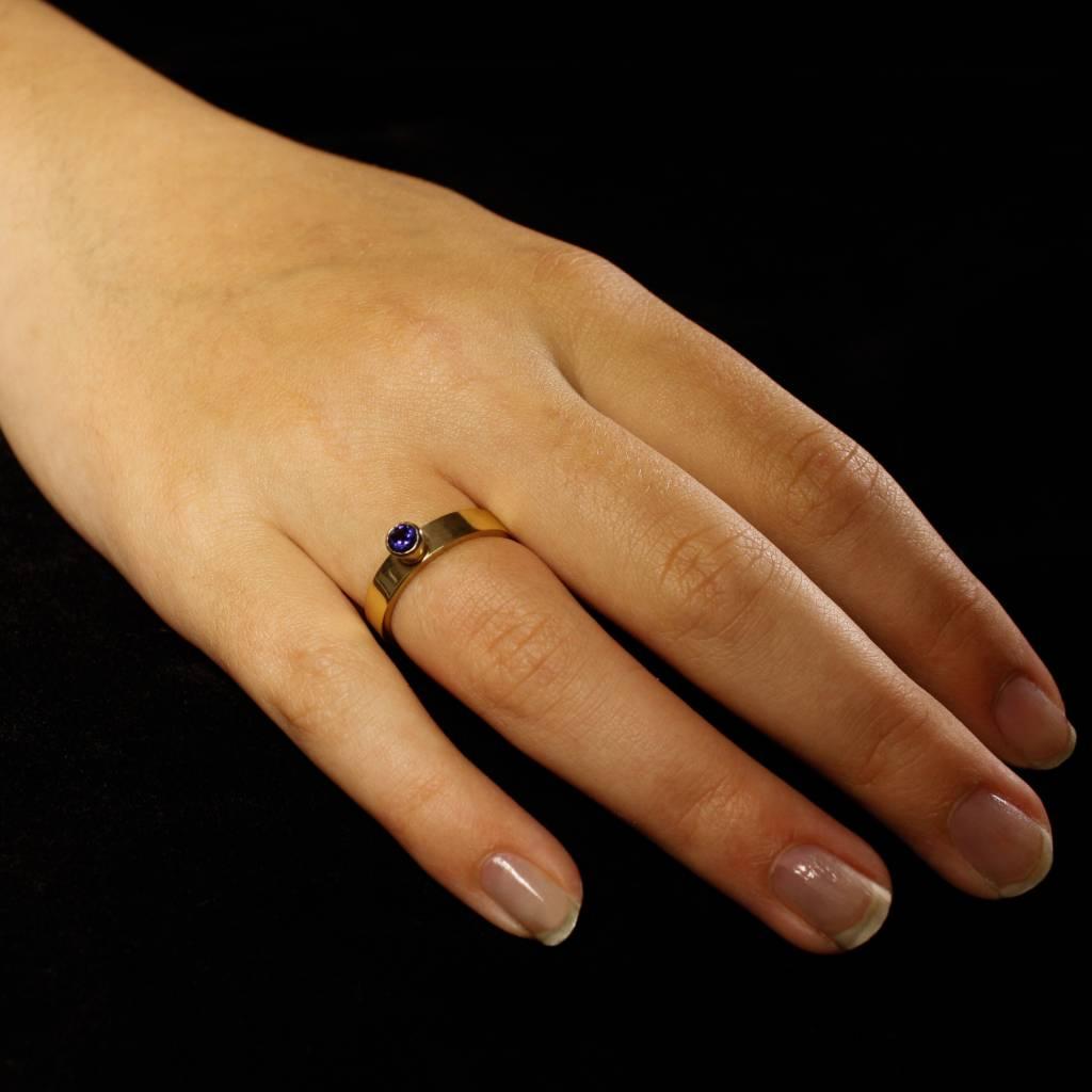 Ring WARE LIEFDE, goud met  saffier-2