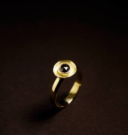 MARGRIET JEWELS Gouden damesring BLACK DIAMOND