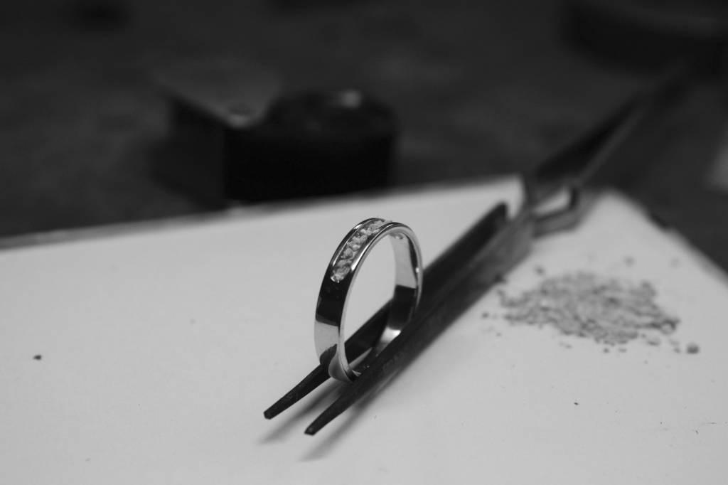 (As)ring DIERBAAR, zilver-5