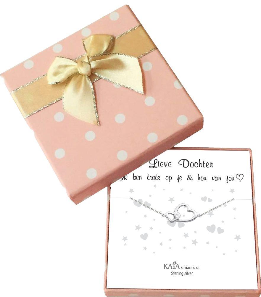 Cadeaudoosje 'Lieve dochter, ik ben trots op je & hou van je' met zilveren armbandje 'Connected'