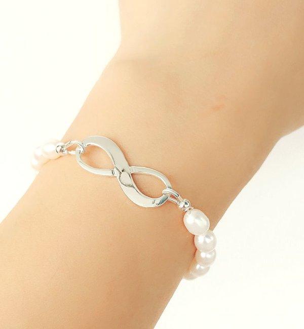 Sieraden graveren Zilveren Parelarmband 'Infinity Pearl'