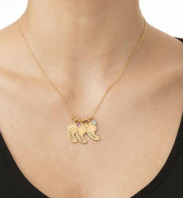 Sieraden graveren Birthstone necklace 'Baby feet'