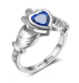 Gepersonaliseerde sieraden Silver ring with birthstone 'claddagh symbol'