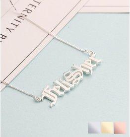 Gegraveerde sieraden Zilveren naamketting 'stoer'