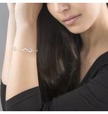 handgravure Gepersonaliseerde zilveren damesarmband 'Infinity' met vier tekens