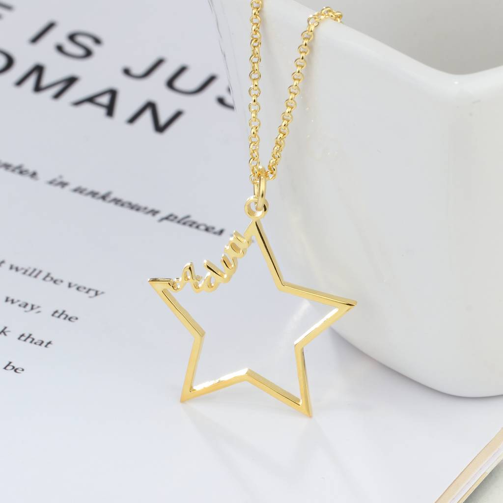gravure L Necklace with 1 name 'star'