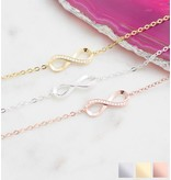 KAYA sieraden Cadeaudoosje 'I love you to the moon and back' met armband 'Infinity Crystal'