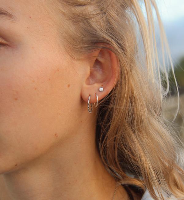 KAYA sieraden Silver earrings crystal heart 'Ocean Wave' 4mm - Copy - Copy - Copy