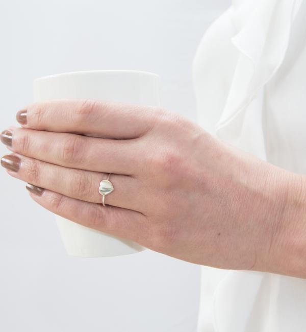 KAYA sieraden Zilveren damesring 'Sweetheart' met letter
