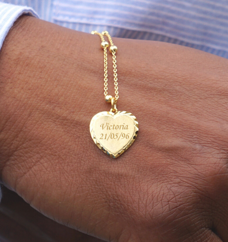 KAYA sieraden Gepersonaliseerde Goud Vergulde Ketting 'Vintage Heart' met Gravure
