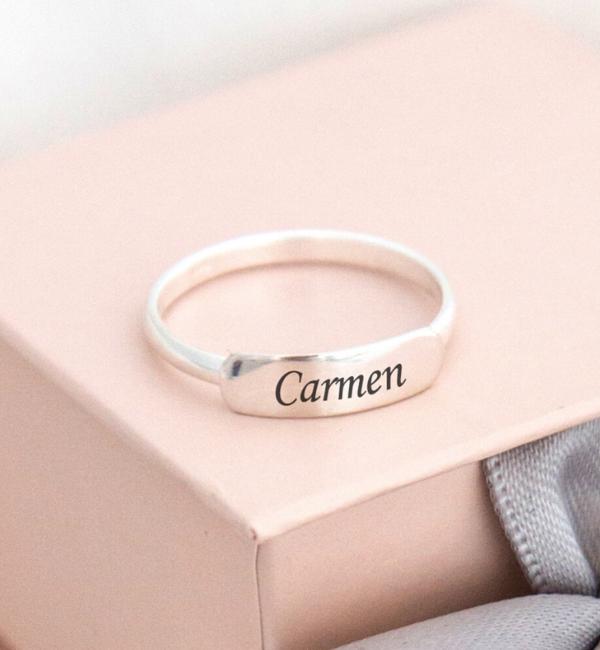 KAYA sieraden Zilveren Ring 'Elegant Bar' met Naam Gravure