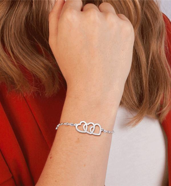 Sieraden Zilveren Armband met Naam 'Drie Hartjes'