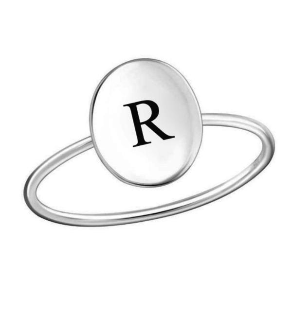 KAYA sieraden Zilveren Damesring 'Elegant Disc' met Letter