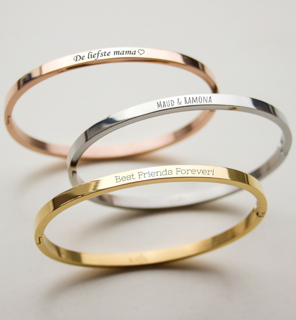 Sieraden graveren Bangle with text 'Engrave me'
