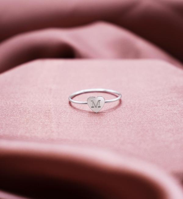 Sieraden graveren Zilveren Damesring 'Sweetheart' met letter