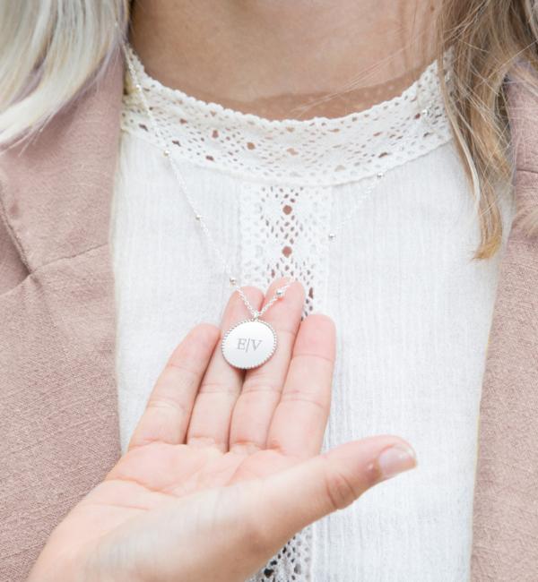 Sieraden graveren Necklace Beaded disc with Initials